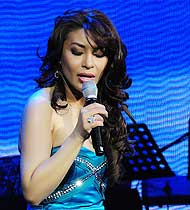 Lani Misaluchi - Live Music at its Best