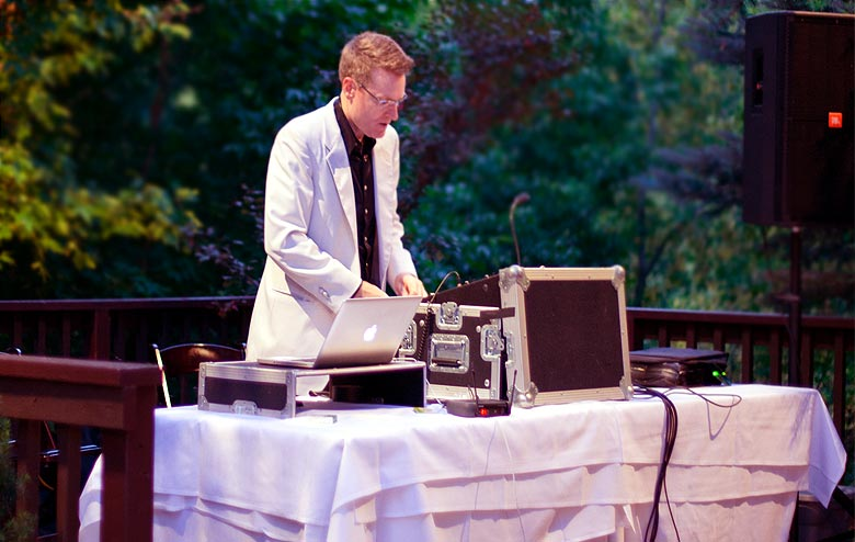 Disc Jockeys for Wedding Ceremonies and Receptions