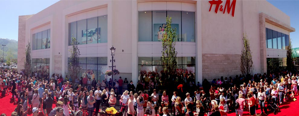Large Mall Opening Crowd