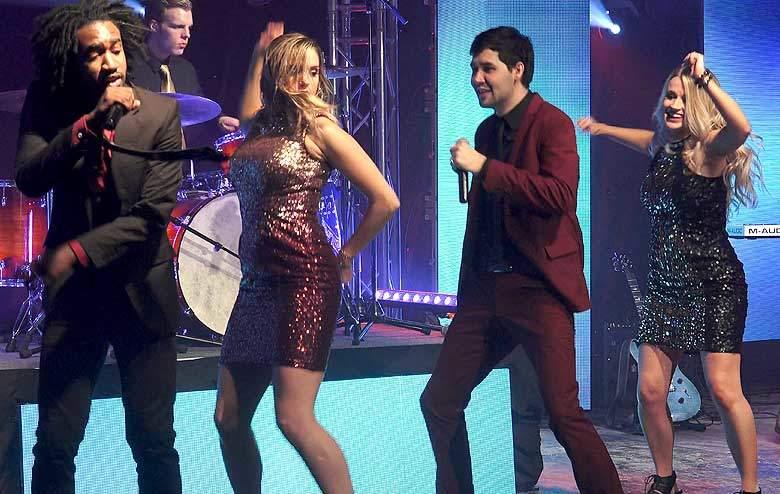 Club Rock Band Provides Hot Dance Music